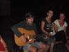 37-zingen-bij-het-kampvuur